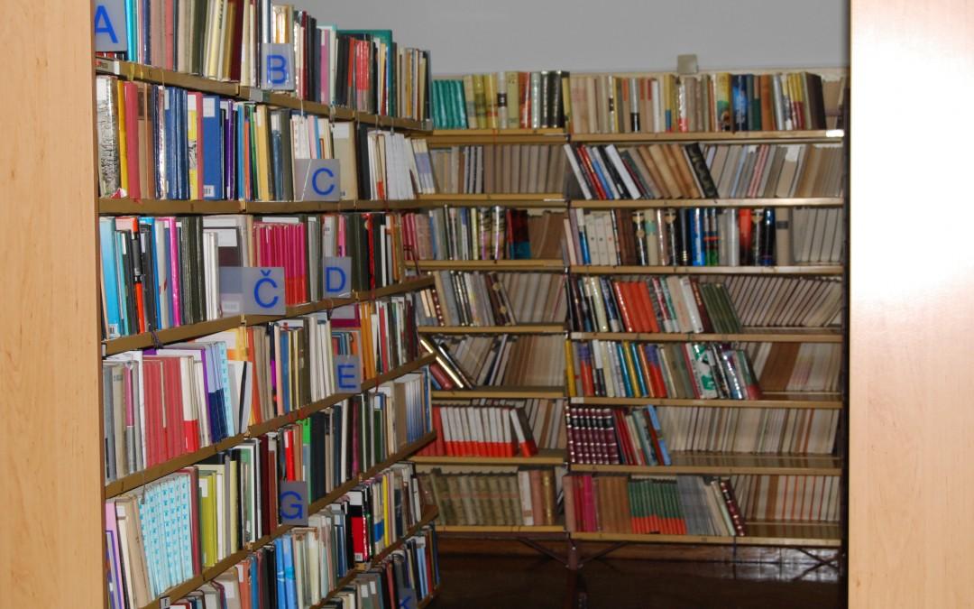 DEJAVNOST: Ogled knjižnice Otona Zupančiča v Ljubljani